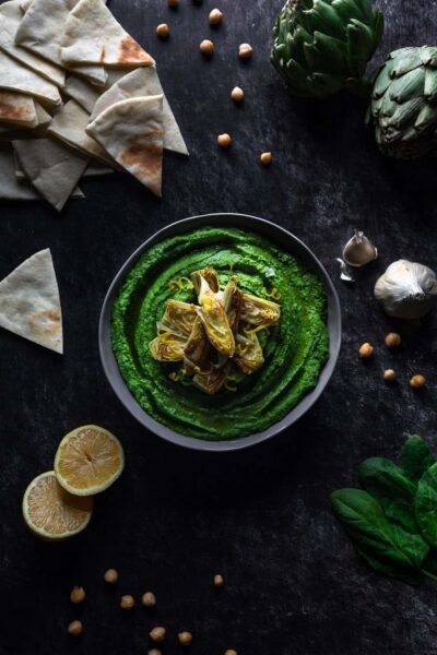 Spinach hummus in a bowl