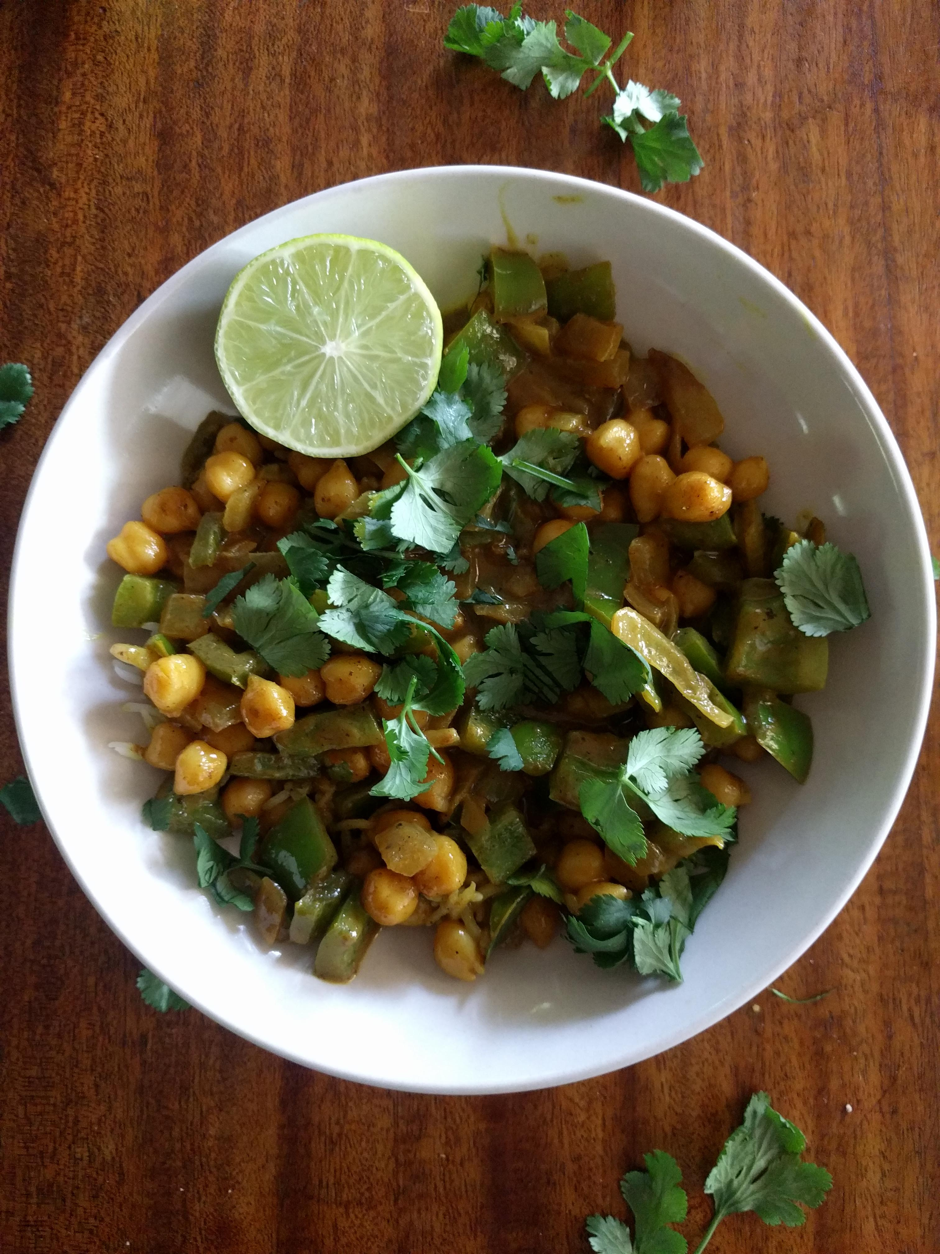 Weeknight Coconut Chickpea Curry with Turmeric