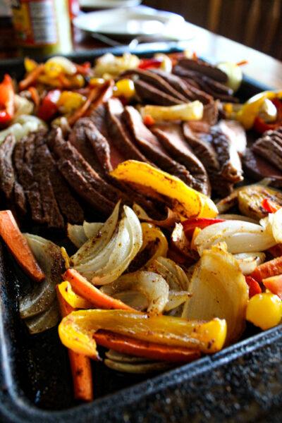 sheet pan steak and veggie fajitas