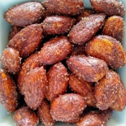 5 Minute Cinnamon Sugar Almonds [With A Sugar-Free Option]