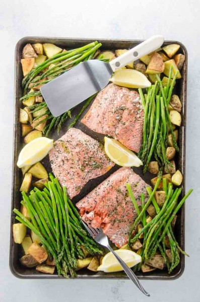 roasted salmon with potatoes and pencil asparagus