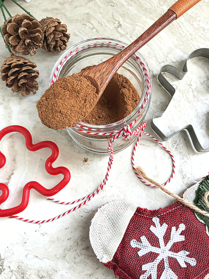 Homemade gingerbread spice mix is a delicious gift to give