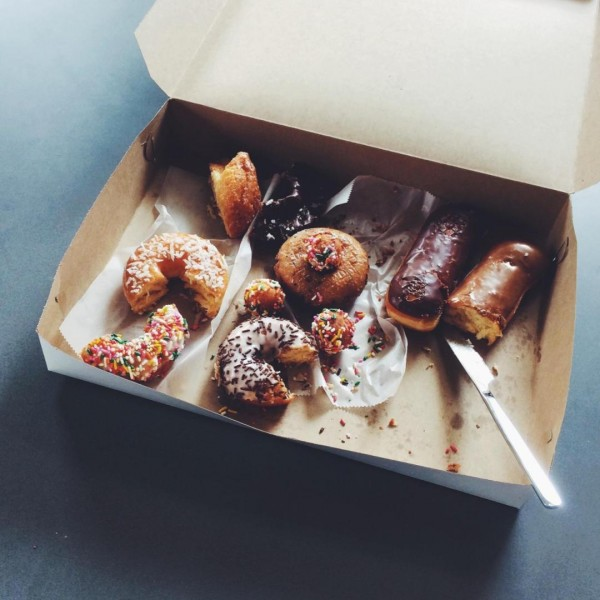 12 tips to eat healthy at work, not these donuts.