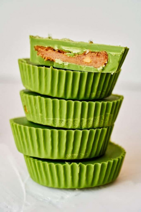 Matcha peanut butter cups make a great gift