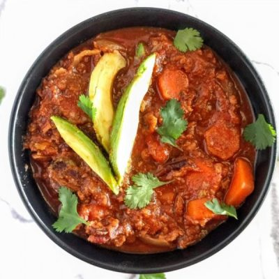 Paleo Crock Pot Chili With Bacon, Beef & Veggies