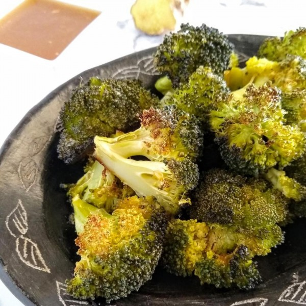 sesame ginger oven roasted broccoli